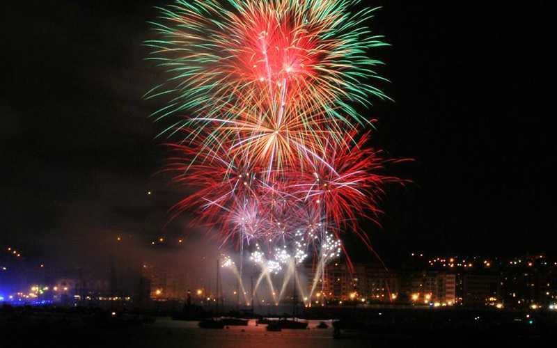 Fireworks at San Sebastian's bay - Boat Tours