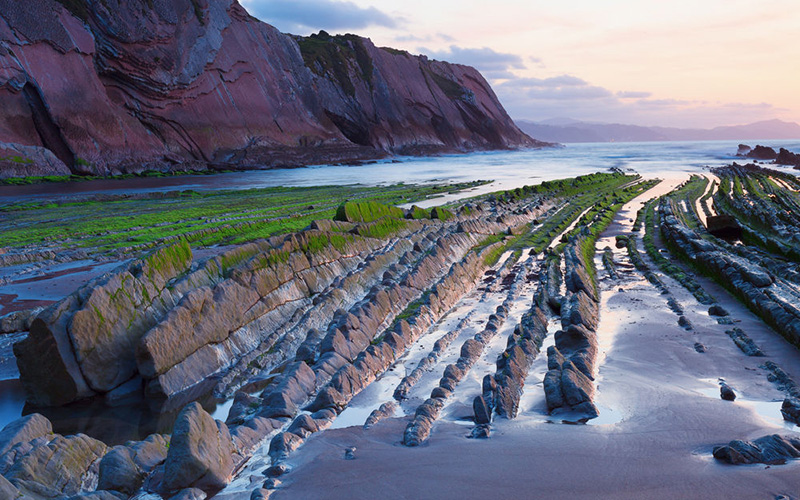 Zumaia's Flysch and Getaria's Mouse - Game of Thrones - Boat Tours